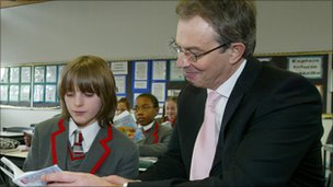 Tony Blair reading with Academy pupil