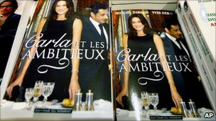 "Copies of ""Carla et les ambitieux"" at a bookshop in Paris"