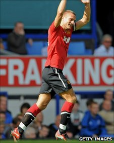 Nemanja Vidic celebrates his goal against Everton last Saturday