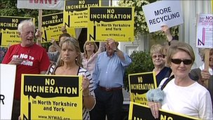 Protesters against the waste incinerator