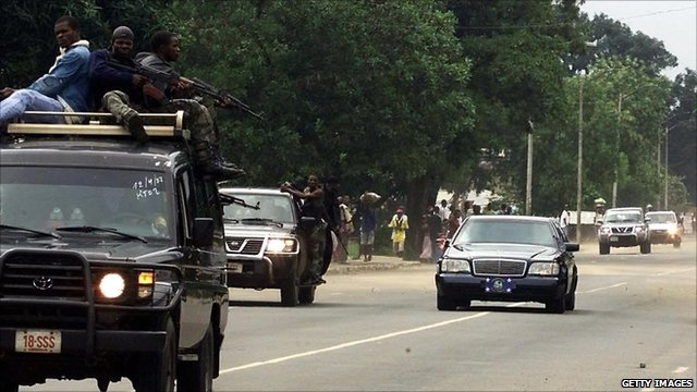 Liberian presidential convoy travels under heavy security