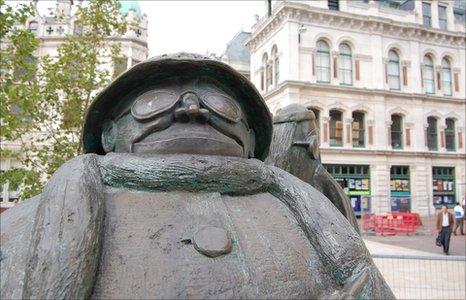 Giles's Grandma statue, Ipswich