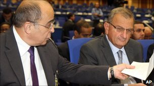 Israel's envoy to the IAEA, Ehud Azoulay (L) and the head of the Israel Atomic Energy Commission Shaul Chorev (R) at the IAEA conference in Vienna - 24 September 2010.