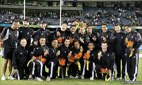 New Zealand celebrate winning gold in Australia