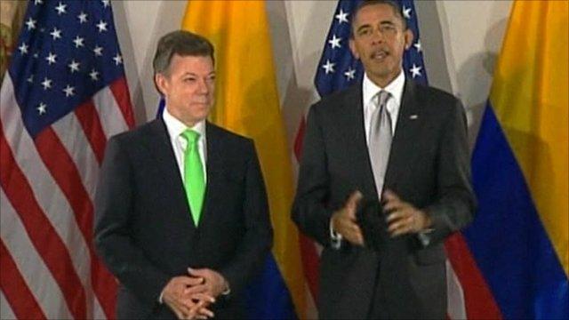 Juan Manuel Santos, Colombia's president, with US President Barack Obama