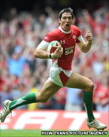 Wales' James Hook has taken centre, full-back and fly-half in his stride