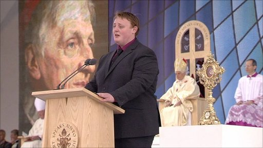 Matthew Sandy sings Psalm 112 at the Papal mass in Birmingham