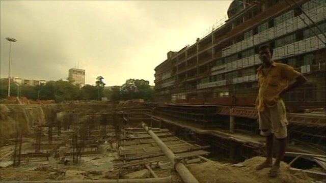 A construction worker in Delhi