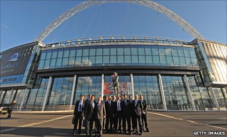 Fifa delegation pose outside Wembley