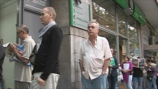 Queue outside Spanish job office
