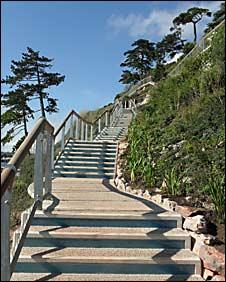 Royal Terrace Gardens: restored steps