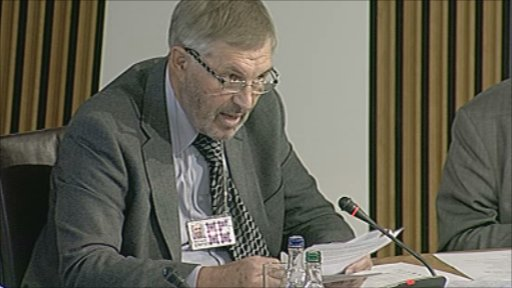 Labour MSP Richard Simpson proposes an amendment to scrap increasing off-sales age limit.