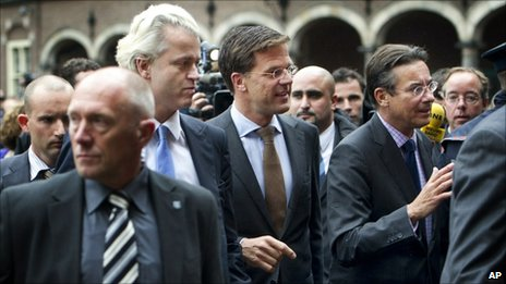 Dutch party leaders enter coalition talks in The Hague, 28 September