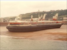 Hovercraft at Western Docks
