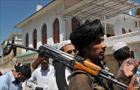Pakistan Taliban anggota
