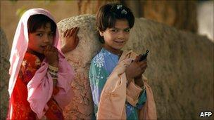 Afghanistan gadis di Lembah Arghandab pada bulan September 2010