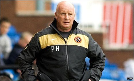 Dundee United manager Peter Houston at Rugby Park