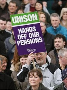 Liverpool, UNITED KINGDOM: Trade union activists attend a rally in Derby Square in Liverpool during a 24 hour strike by council workers, 28 March 2006. 