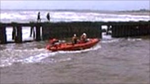 The lifeboat carrying out the rescue, courtesy of Mark Leggett