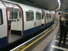 A Bakerloo Line train