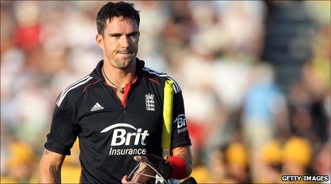 Kevin Pietersen is given out against Australia