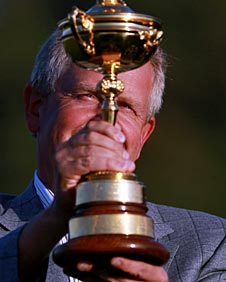 Colin Montgomerie lifts the Ruder Cup
