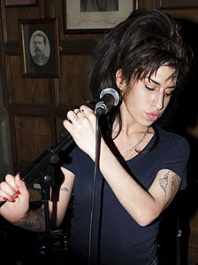 Amy Winehouse plays a low-key show in London