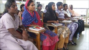 Sri Lankan domestic workers being trained before leaving for the Middle East (photo credit:Dushiyanthini Kanagasabapathipillai/Human Rights Watch)