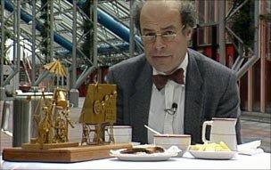 Professor Heinz Wolff with breakfast contraption