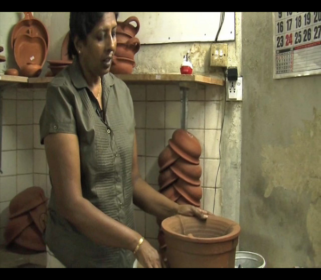Samanthi, small business owner in Sri Lanka ( video by GSMA mWomen)