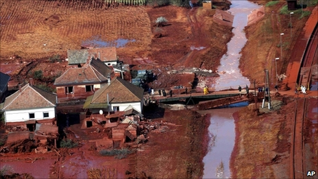 Red polluted river in Kolontar (8 October 2010)