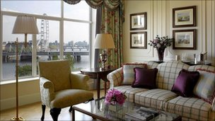 Edwardian river view suite (courtesy Savoy/Fairmont Group)