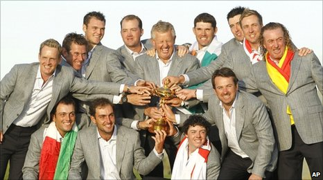 Montgomerie (centre) celebrates with his Ryder Cup winning team