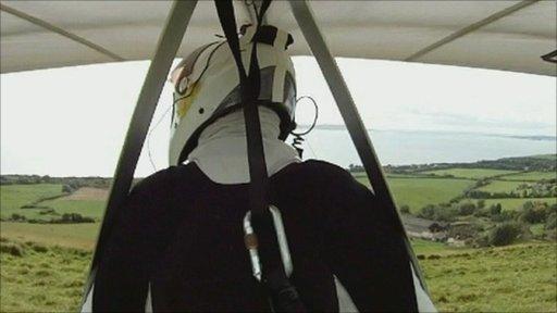 Tony Stephens, hang glider