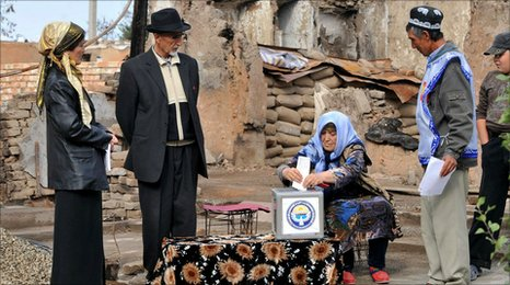 Ethnic Uzbeks voting in the rubble of their destroyed homes