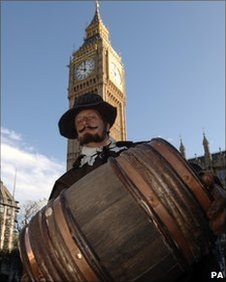 Actor Bill Hurst is dressed as Guy Fawkes. Copyright PA