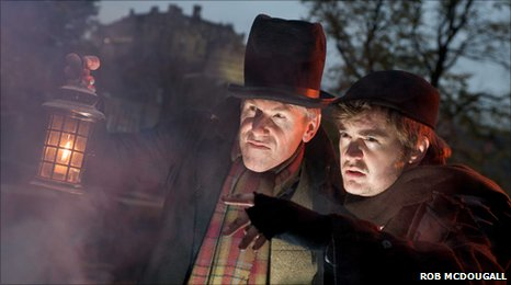 Actors Gary Quinn and Paul Meadows posing as Burke and Hare (Rob McDougall)