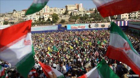 Lebanese supporters of Iran's President Ahmadinejad