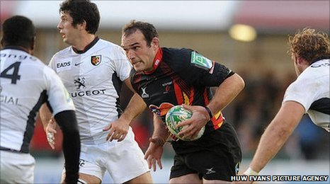 Robert Sidoli looks for a way through the Toulouse defence at Rodney Parade