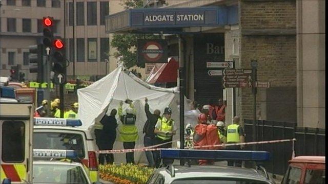 Police outside Aldgate station on 7 July 2005