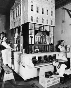 The Queen's Dollhouse is packed up in 1923