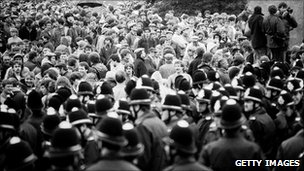 Police and miners at Orgreave coking plant