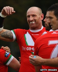 Gareth Thomas celebrates