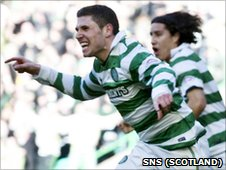 Gary Hooper and Efrain Juarez