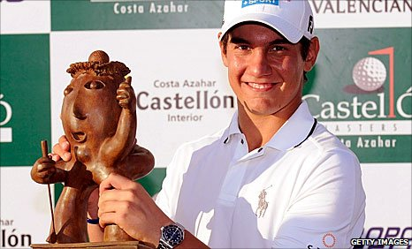 Matteo Manassero with the Castello Masters trophy
