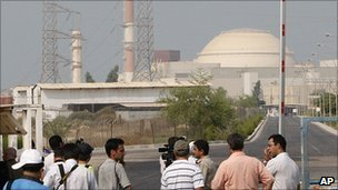 BBC News – Iran loads fuel into the Bushehr nuclear reactor