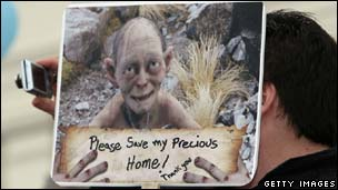 New Zealand Hobbit protestor