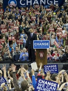 Barack Obama at an election rally in Madison, Wis (Feb 2008)