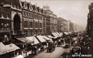 Oxford St - London's main shopping drag - in 1890