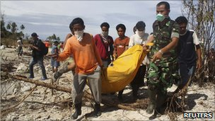 Indonesia tsunami relief slowed by bad weather